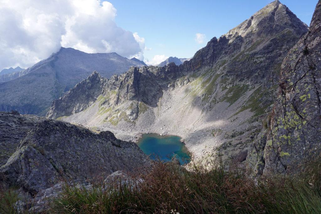 Blick vom Pass auf den Lago d'Avolo
