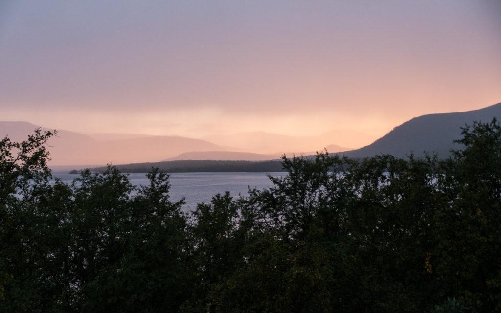 Sonnenuntergang Retkeilykeskus Kilpisjärvi